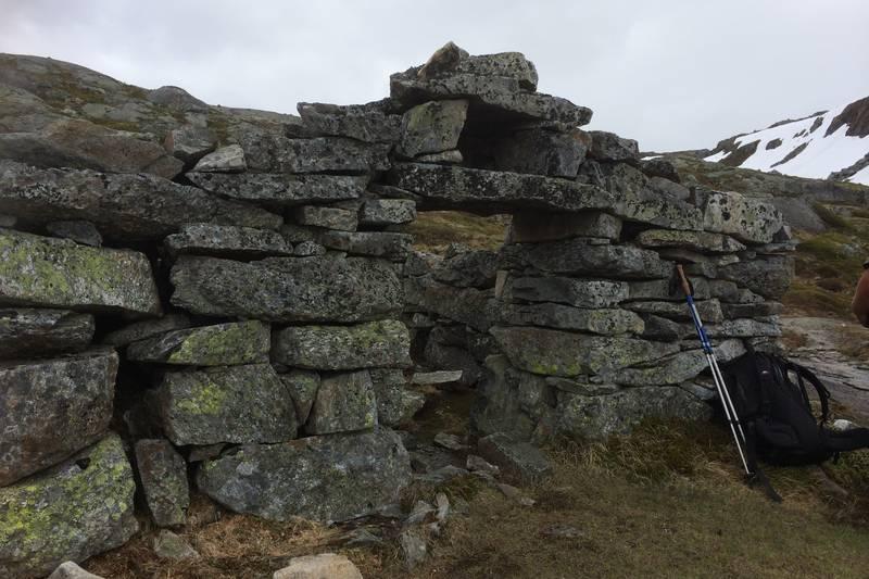 Gammal steinmur i Vierdalen