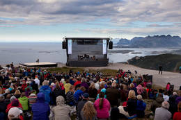 Så sant været tillater, det arrangerer Nordland Musikkfestuke konsert på Keiservarden hvert år - Foto: Henrik Dvergsdal