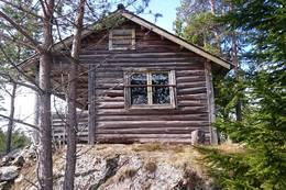 Hytta Huldreheim. Ble benyttet av flyktninger etter kryssingen av Øyern - Foto: Dag Olav Brækkan