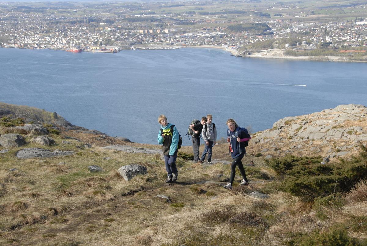 Ta en tur med utgangspunkt fra friluftshuset på Gramstad. Her på vei til Dalsnuten med utsikt over Sandnes