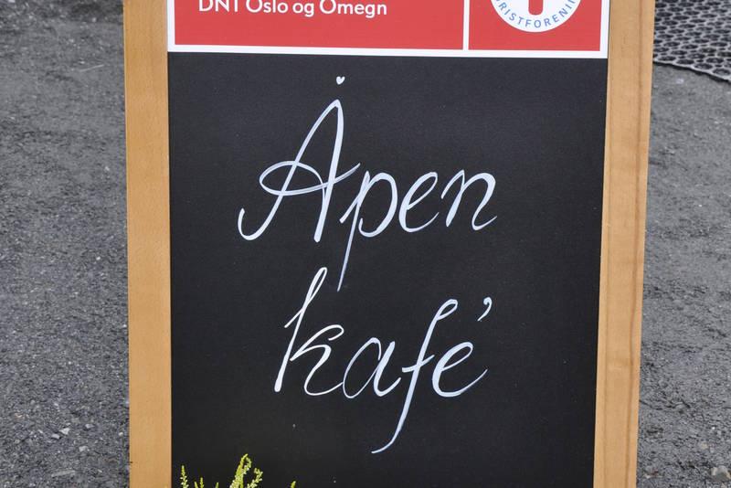 Velkommen til åpen kafé i Låven.