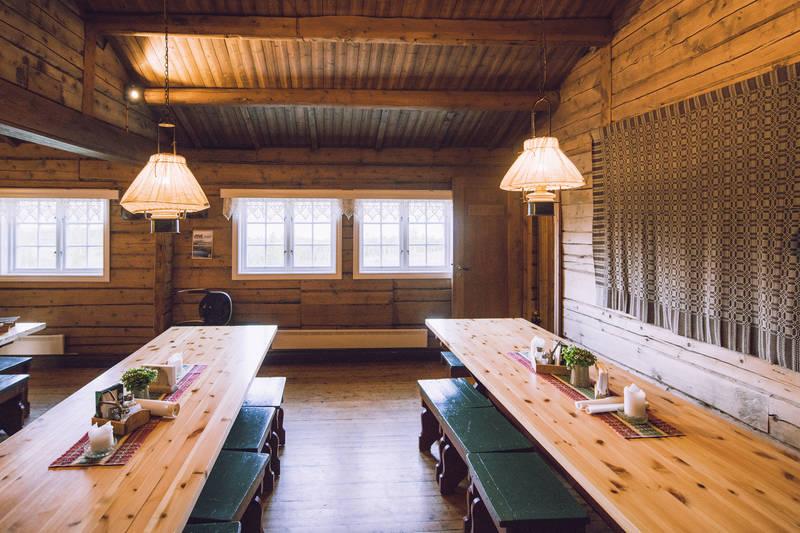 Spisesalen på Storerikvollen har en unik atmosfære