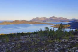 Fra oppstigninga - utsikt litt mot øst - Foto: Kjell Fredriksen