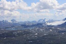 Utsikt mot Tyin/Jotunheimen fra toppen - Foto: Ingeborg Flaten
