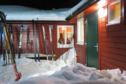 Vinterstemning på Løkjeslsvatnhytta -  Foto: Lars Kristian Gjerde