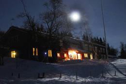 Magisk vinterstemning på Gjevilvasshytta. - Foto: Avisa OPP