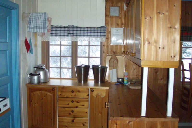 Hovstøyl - kjøkkenkrok hovedhytte