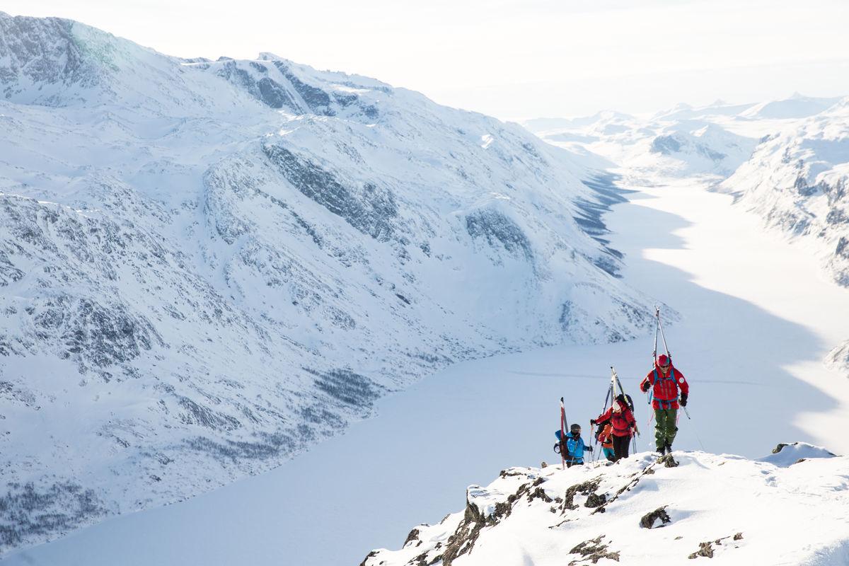 Vintertur over Besseggen