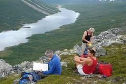 Fra Vakkerstøylen mot Pyttbua - Foto: Ålesund-Sunnmøre Turistforening