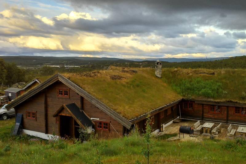 Hakkesetstølen Fjellstugu.Nydellig utsikt innover fjellet.