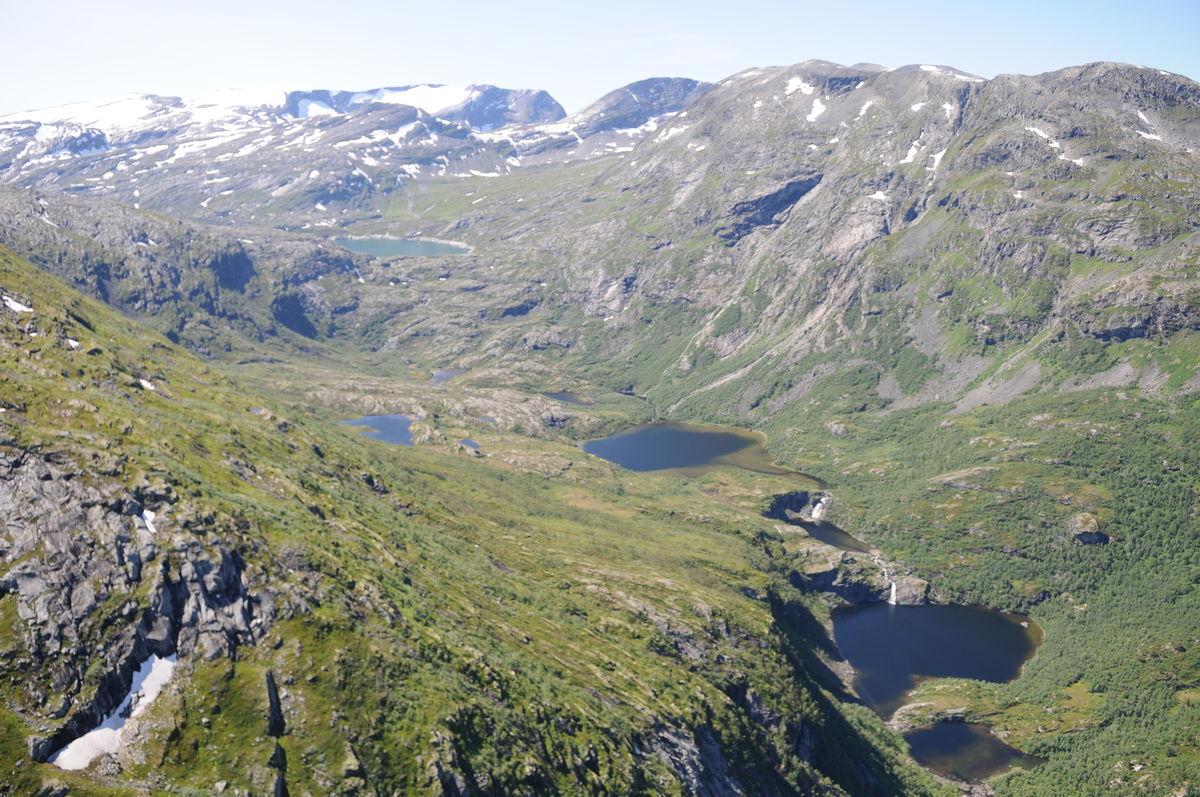 Flybilde over den vakre Storkaldhusdalen