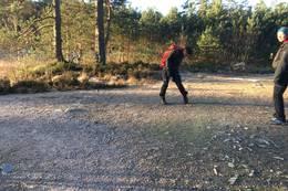 Ta til høyre når du treffer skiløypa - mot Loland - Foto: