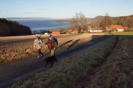 Nordre Ramberg gård og utsikt nordover Oslofjorden -  Foto: DNT Vansjø
