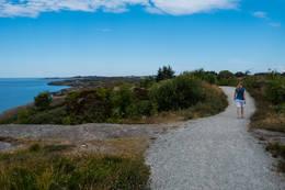 På tur gjennom vakker lynghei helt i havgapet. - Foto: John Petter Nordbø