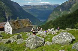 Gardshamarstølen er rastested på vei fra Sunndal til Fonnabu. - Foto: Ingvild Larsen