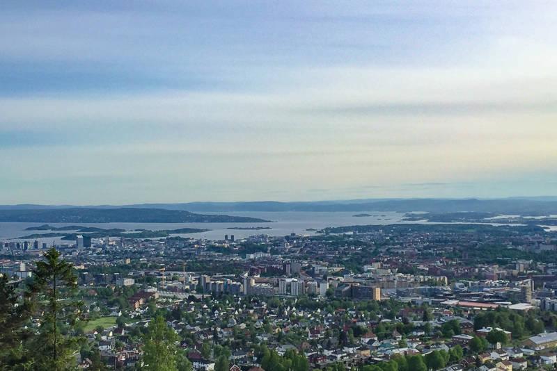 Oslo sentrum og Oslofjorden sett fra Grefsenkollen i Lillomarka