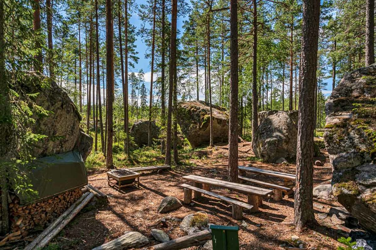 Kongsgården, et sted med kampesteiner