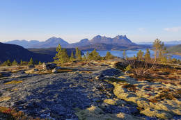 Fra toppen - utsikt mot vest - Foto: Kjell Fredriksen