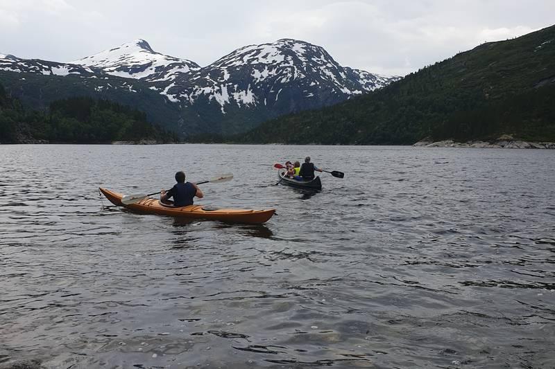 På Kaldusseter er kajakk og kano tilgjengelig i utleiehytta