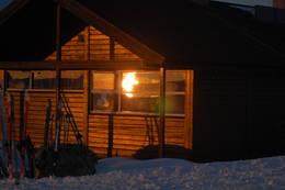 Solnedgang ved A-hytta på Kjeldebu. - Foto: Britt-Elin Haga