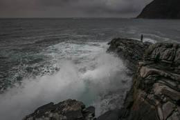 Hovdeneset - hold god avstand til havet i dårlig vær! - Foto: Svein-Magne Tunli