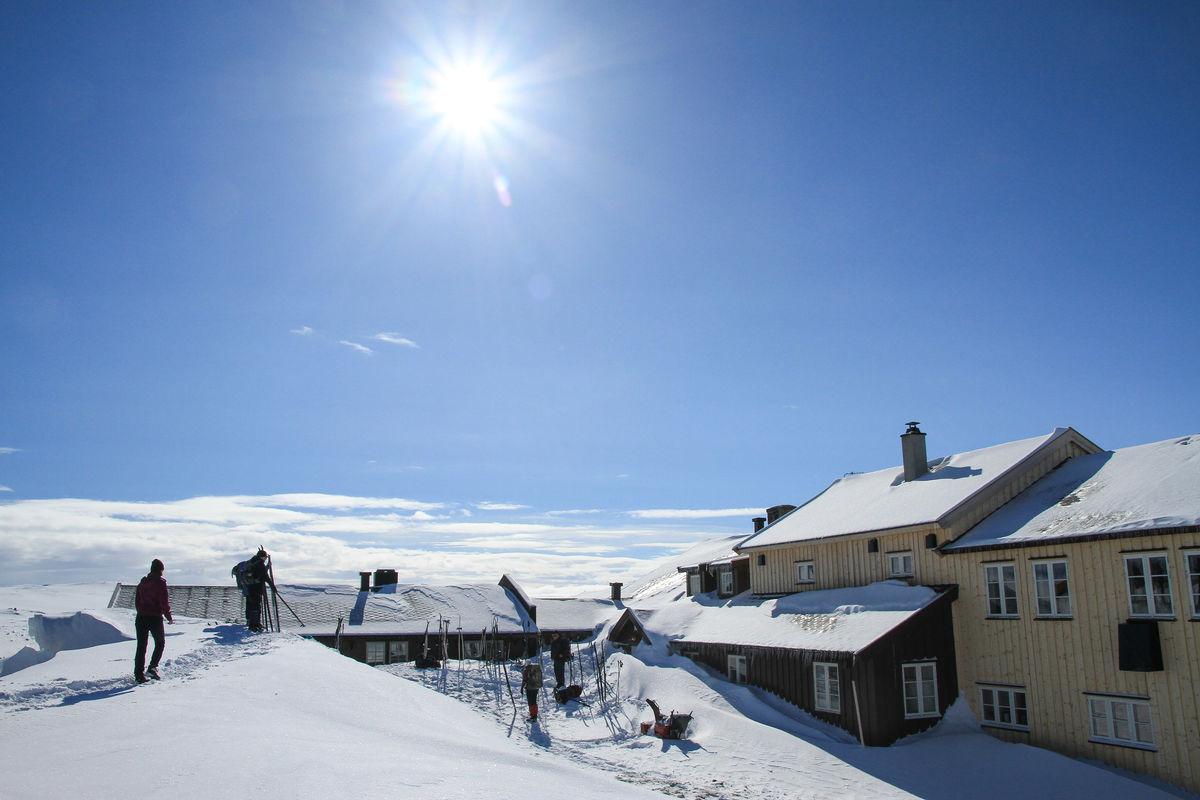Nydelig på Krækkja i  vårsola! Bilde er tatt før nytt inngangsparti er bygd.