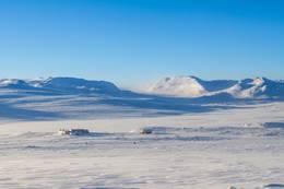 Mårbu turisthytte i vakker vinterdrakt. -  Foto: Lars Sundal