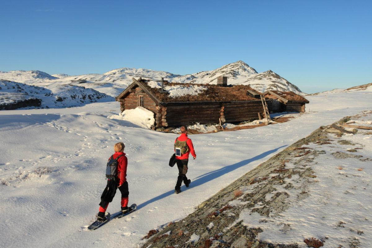 Ved Hevertjønna i Barnas Naturverden, den første snøen har kommet.
