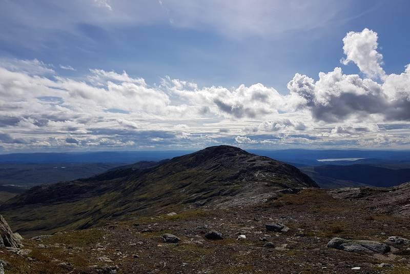 Utsikt mot Selbusjøen fra toppen av Storskarven