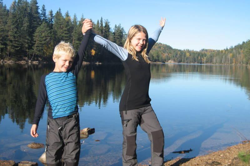 Mikael og Michelle på vei rundt Skapertjern