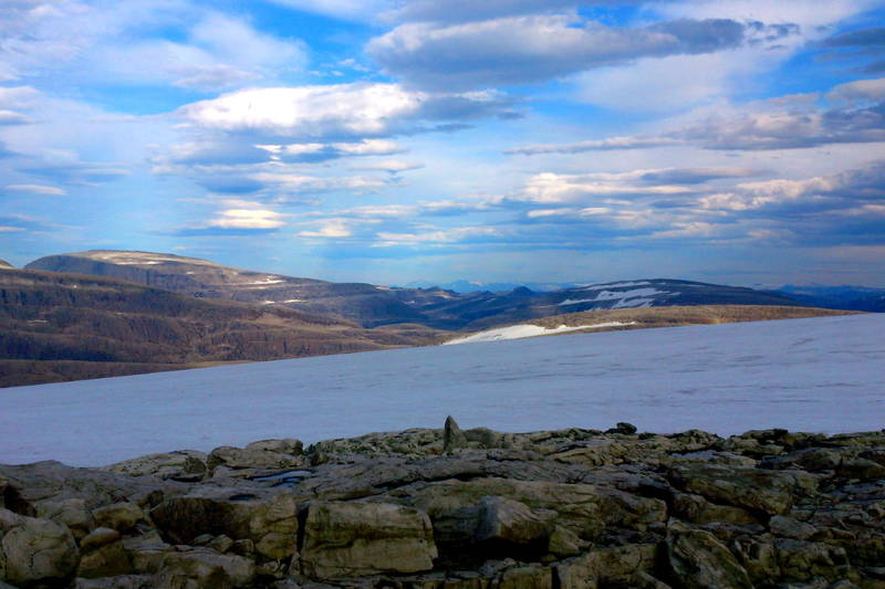 Ålfotbreen og fjella i syningom mot øst