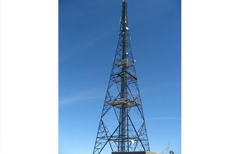 Telemasten på toppen av Gjeltheia