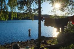 Kveldsbad ved Spålen -  Foto: Eirik Skrivervik Bruvoll
