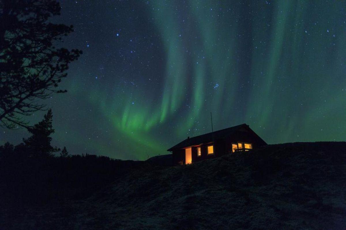 Aurora over hytta