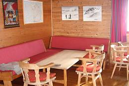 Interiør fra stuen på Selhamar - Foto: Bergen Turlag