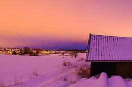 På ski i Hylliskogen i Spydeberg, Østfold. Utsikt over Spydeberg og Grååsen - Foto: Jon Mikhael Ravneng