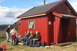 Sittebenker utenfor, et yndet turmål -  Foto: Eva Jønsrud