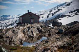 Danskehytta, Tafjordfjella. August 2012. En av to hytter. Sommeridyll på fjellet. - Foto: Eva Jeanette Johnsen