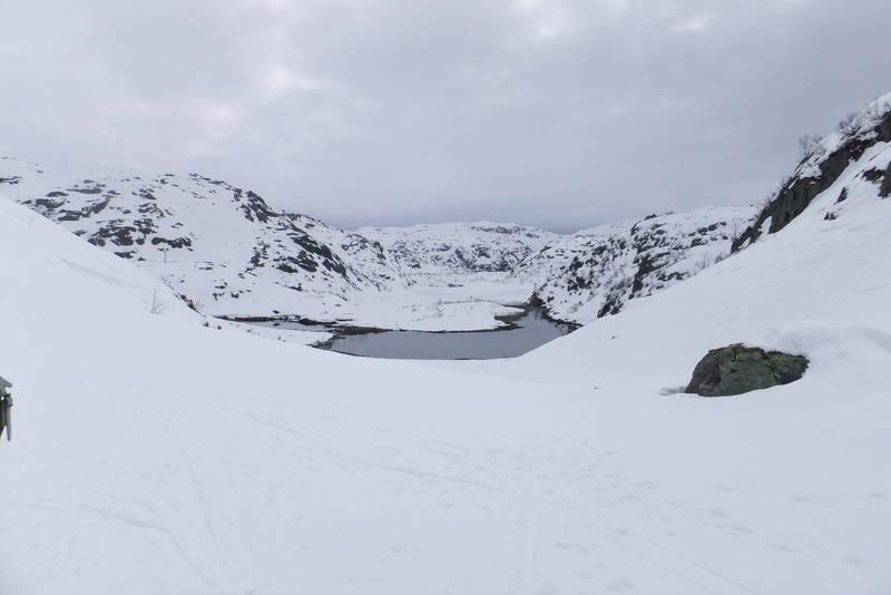 Utsynn mot Svarhøl