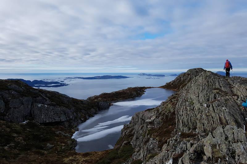 Det første fjellvatnet som ligg på fjellryggen vestover i retning Hornfjellet.