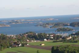 Utsikt mot Songvår med telelinse. - Foto: Floke Bredland