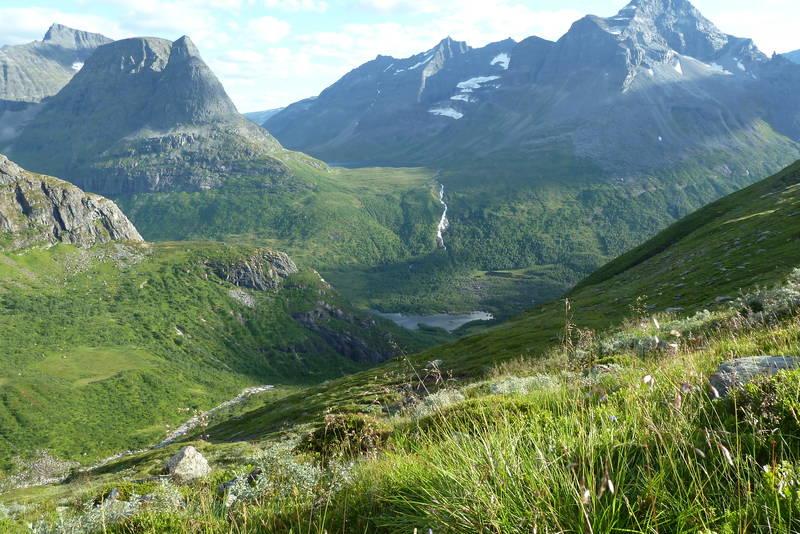 Utsikten fra Bjøråskardet mot Innerdalen er magisk.