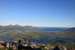 Utsikt fra toppen. -  Foto: Bjørn-S Larsen