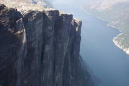 Kjerag og Lysefjorden - Foto: Stavanger Turistforening