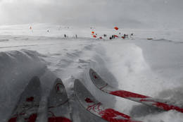 På tur med Cecilie Skog og en hel drøss med kitere ved Finsehytta - Foto: Rine Veberg