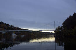 Ulvøybrua er fra 1928 og spennende å padle under. -  Foto: Oslofjordens Friluftsråd