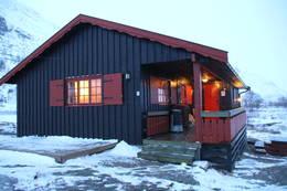 Selvbetjeningshytta Skarvheim ligger på ruta Finse-Tyin. - Foto: Roy-Erik Sund