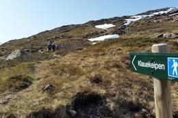 Ta av mot Klauvekeipen og følg høgda oppover. -  Foto: Arnfrid Bergheim
