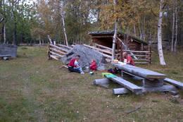 Gapahuken like nord for Risfossen -  Foto: Ukjent