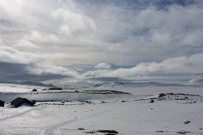 Magisk vinterlandskap med utsikt til naboen på Mårbu Turisthytte